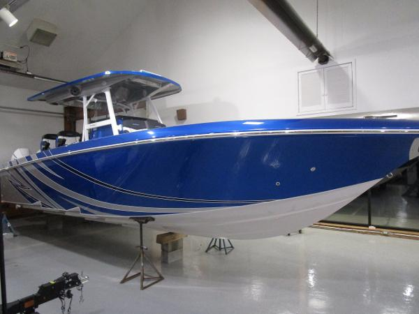2021 Fountain boat for sale, model of the boat is 34 Sport Center Console & Image # 2 of 44