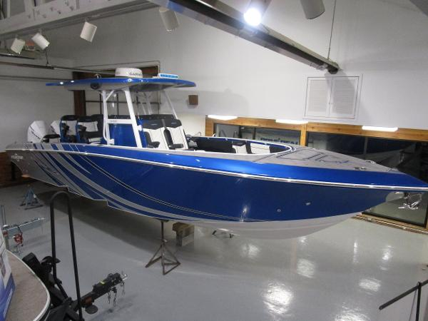 2021 Fountain boat for sale, model of the boat is 34 Sport Center Console & Image # 1 of 44
