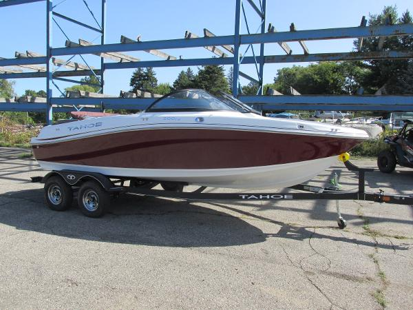 2021 Tahoe boat for sale, model of the boat is 500TS SPORT & Image # 2 of 15