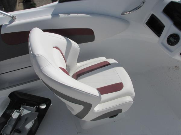 2021 Tahoe boat for sale, model of the boat is 500TS SPORT & Image # 8 of 15