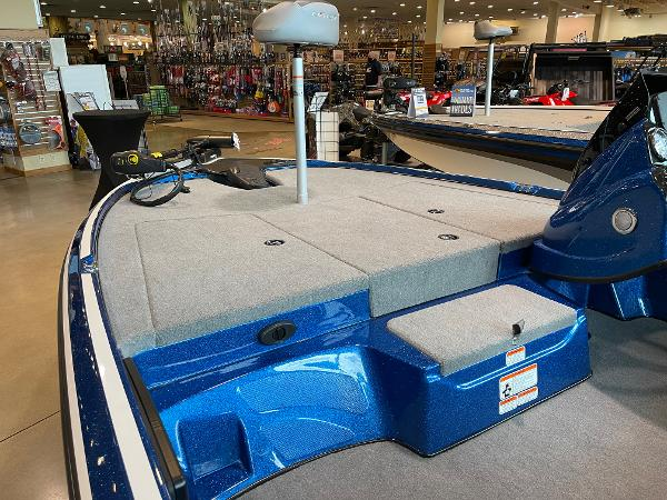 2021 Nitro boat for sale, model of the boat is Z17 & Image # 8 of 53