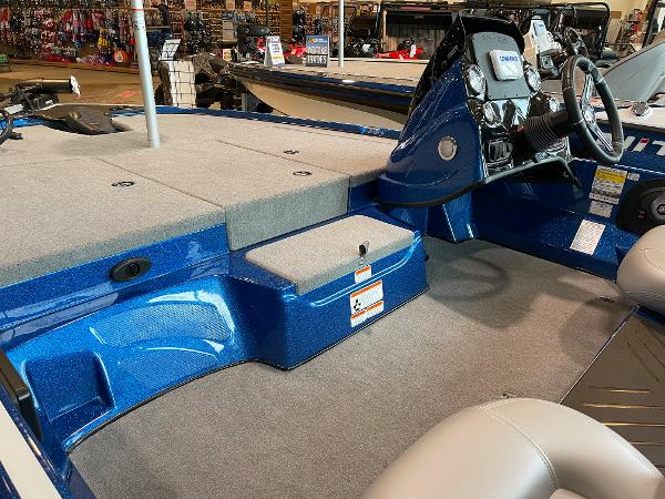 2021 Nitro boat for sale, model of the boat is Z17 & Image # 7 of 53