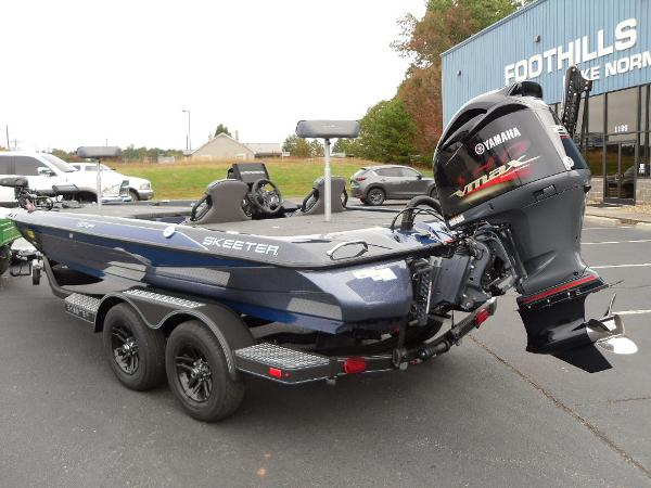 2021 Skeeter boat for sale, model of the boat is ZXR 20 & Image # 3 of 34