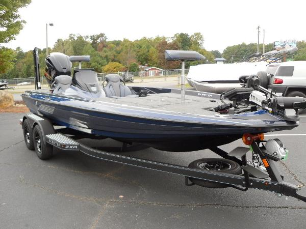 2021 Skeeter boat for sale, model of the boat is ZXR 20 & Image # 14 of 34