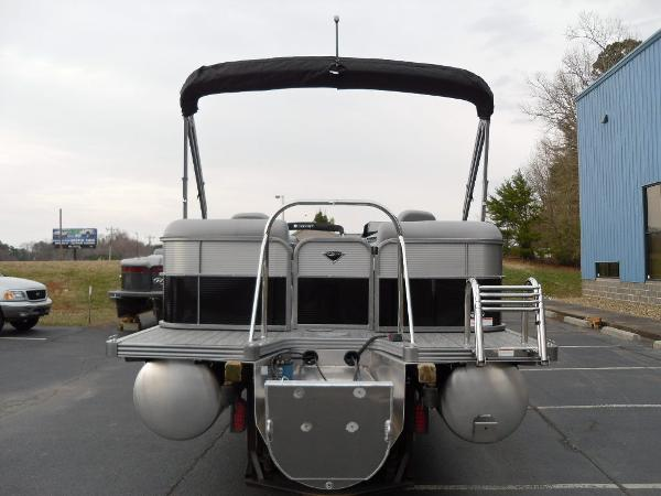 2021 Manitou boat for sale, model of the boat is RF 23 Oasis VP & Image # 4 of 32