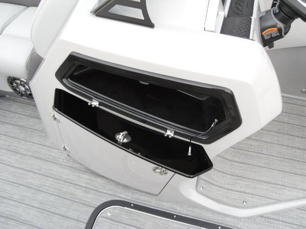 2021 Manitou boat for sale, model of the boat is RF 23 Oasis VP & Image # 21 of 32