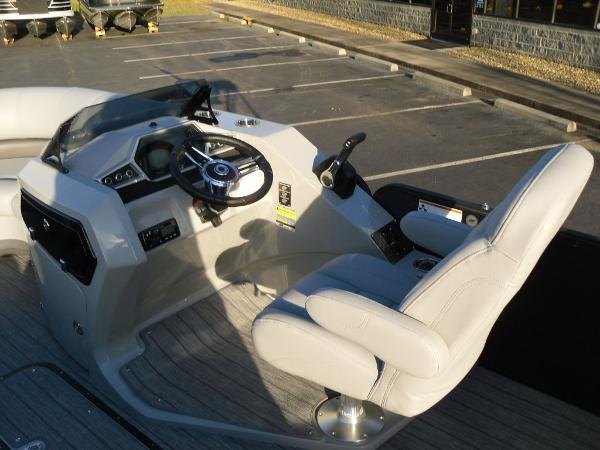 2021 Manitou boat for sale, model of the boat is RF 23 Oasis SHP 373 & Image # 34 of 34