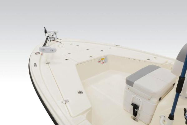 2020 Mako boat for sale, model of the boat is 21 LTS Guide Pkg & Image # 12 of 61