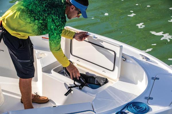 2020 Mako boat for sale, model of the boat is 184 CC & Image # 6 of 9