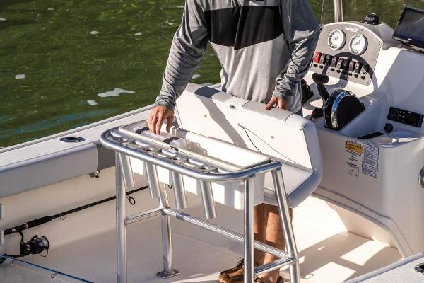 2020 Mako boat for sale, model of the boat is 184 CC & Image # 7 of 9