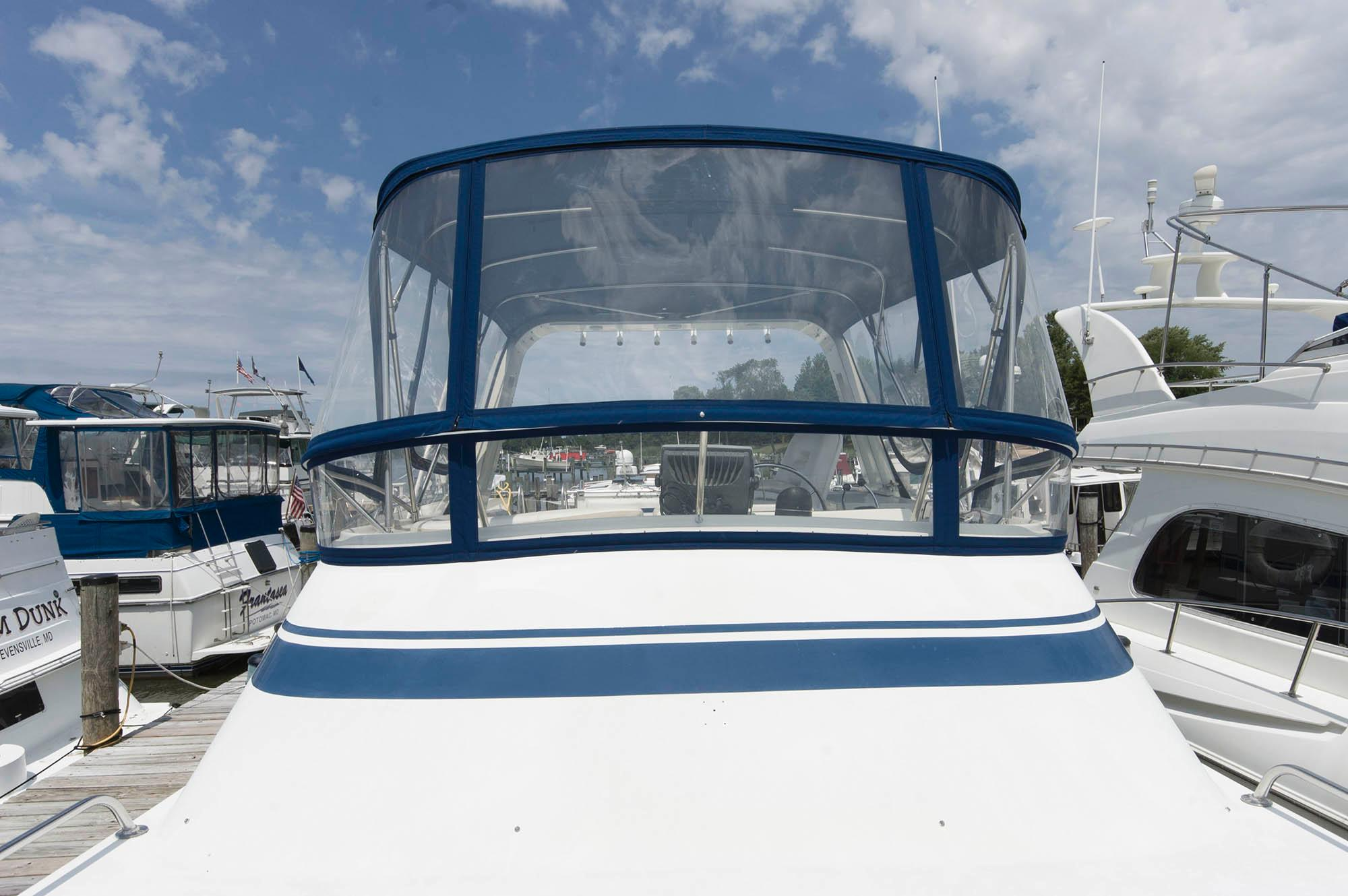 M 5574 MB Knot 10 Yacht Sales