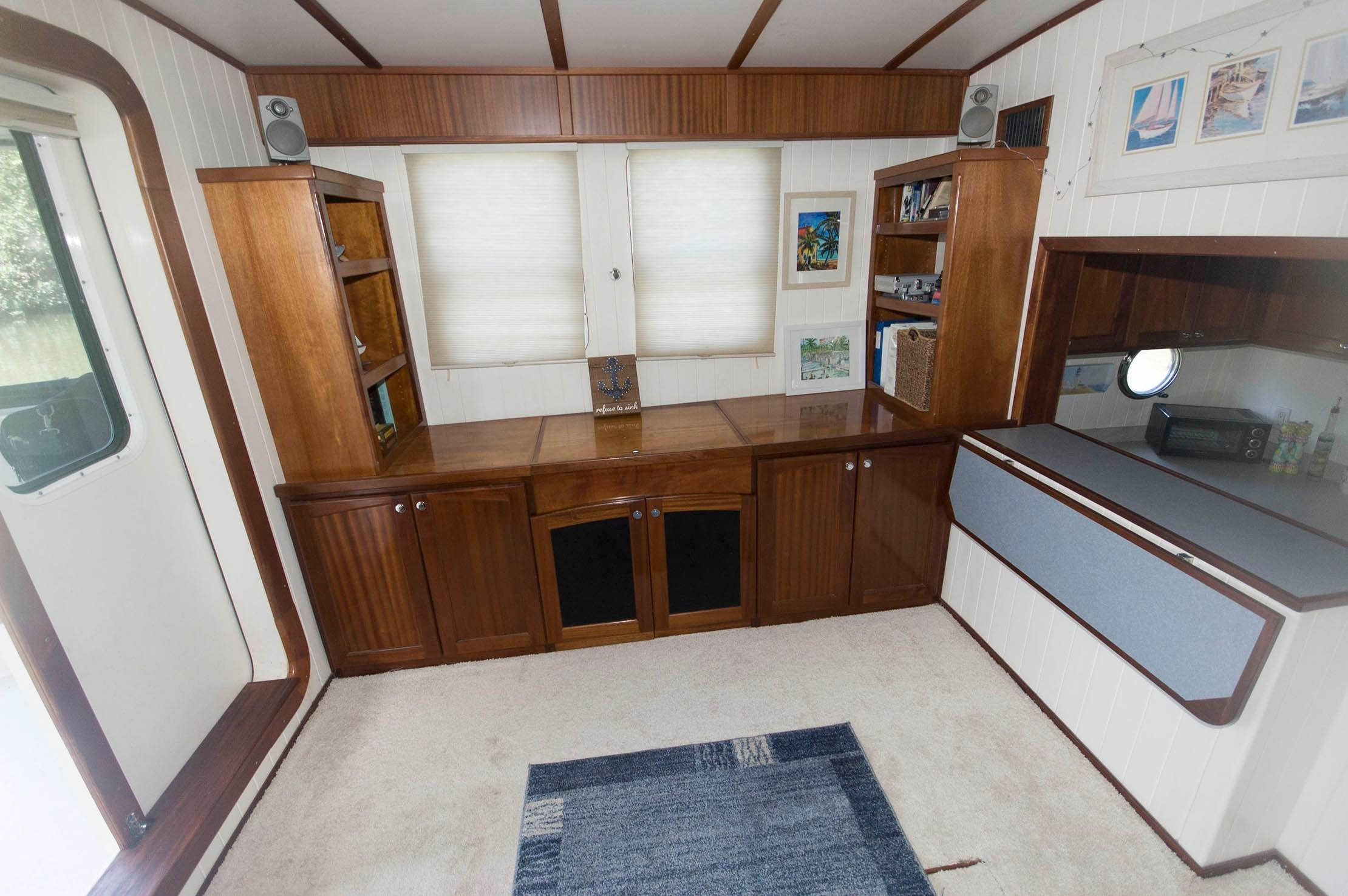 F 5422 RD Knot 10 Yacht Sales