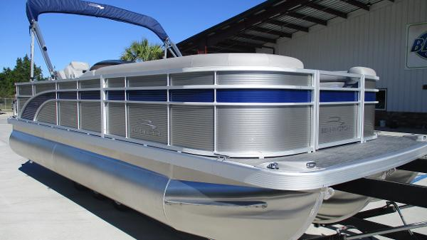 2021 Bennington boat for sale, model of the boat is 22 SS & Image # 1 of 46