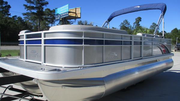 2021 Bennington boat for sale, model of the boat is 22 SS & Image # 2 of 46