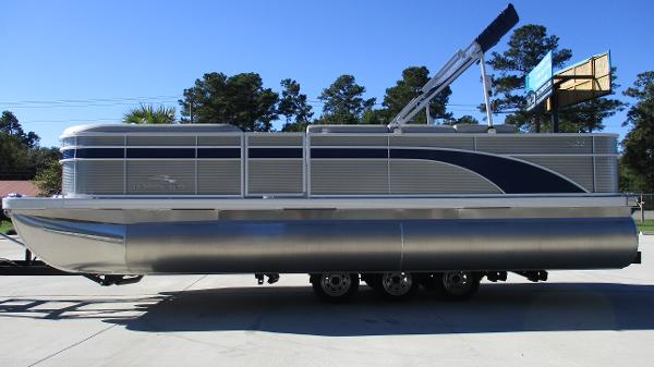 2021 Bennington boat for sale, model of the boat is 22 SS & Image # 4 of 46