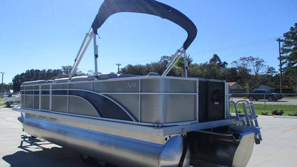 2021 Bennington boat for sale, model of the boat is 22 SS & Image # 6 of 46