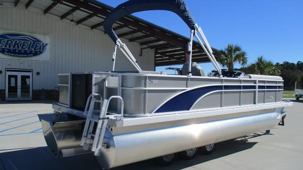 2021 Bennington boat for sale, model of the boat is 22 SS & Image # 5 of 46