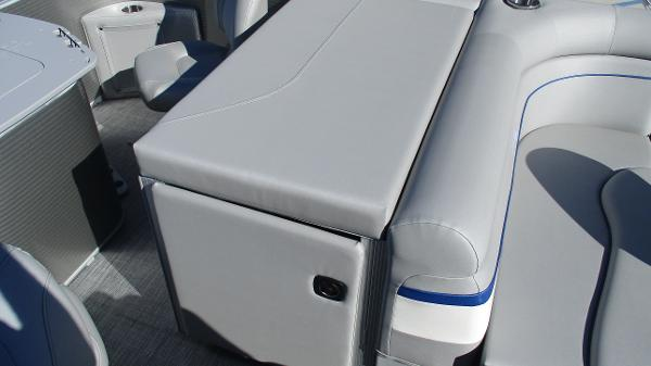 2021 Bennington boat for sale, model of the boat is 22 SS & Image # 21 of 46
