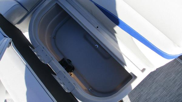 2021 Bennington boat for sale, model of the boat is 22 SS & Image # 24 of 46