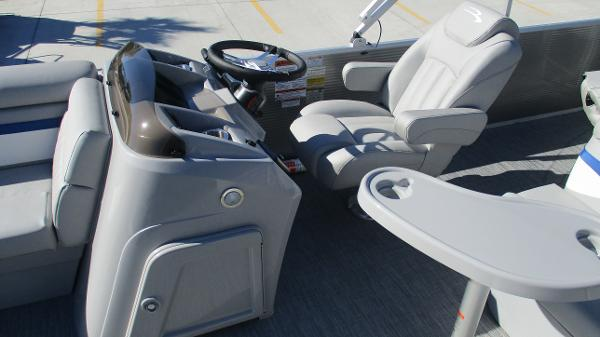 2021 Bennington boat for sale, model of the boat is 22 SS & Image # 28 of 46