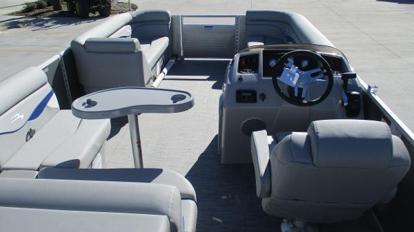 2021 Bennington boat for sale, model of the boat is 22 SS & Image # 42 of 46