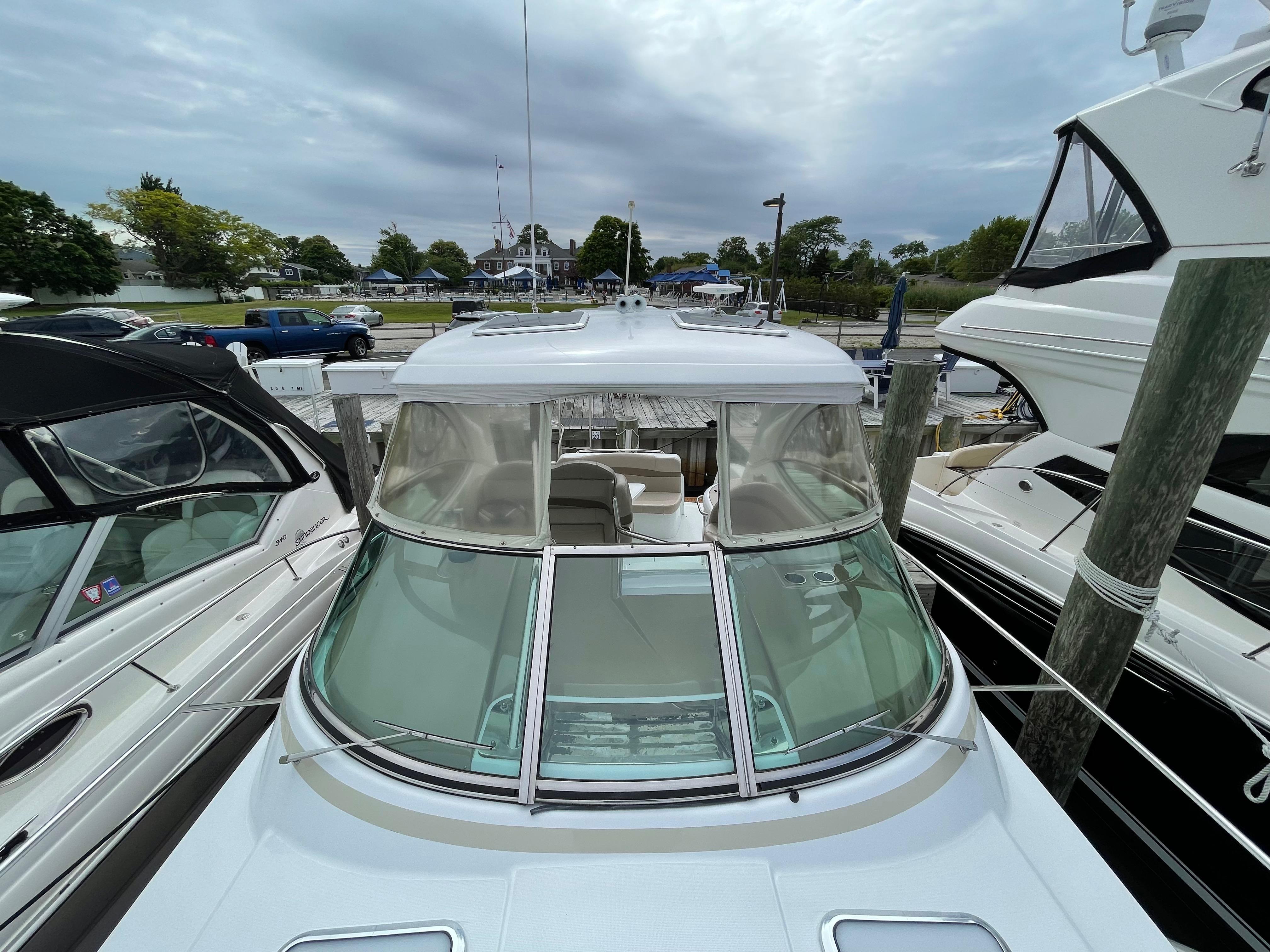 NY 6200 LK Knot 10 Yacht Sales