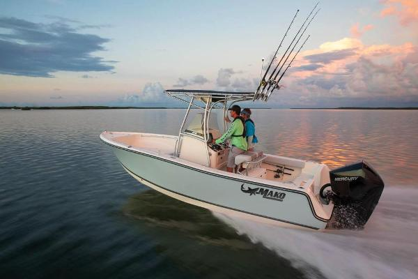 2020 Mako boat for sale, model of the boat is 214 CC & Image # 2 of 64