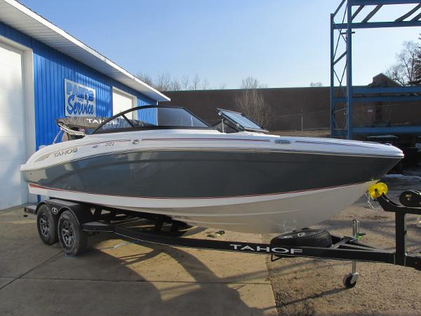 2021 Tahoe boat for sale, model of the boat is 210 S & Image # 2 of 40