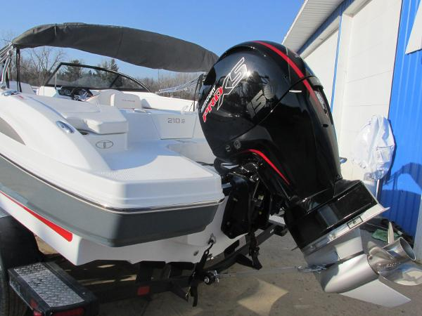 2021 Tahoe boat for sale, model of the boat is 210 S & Image # 3 of 40