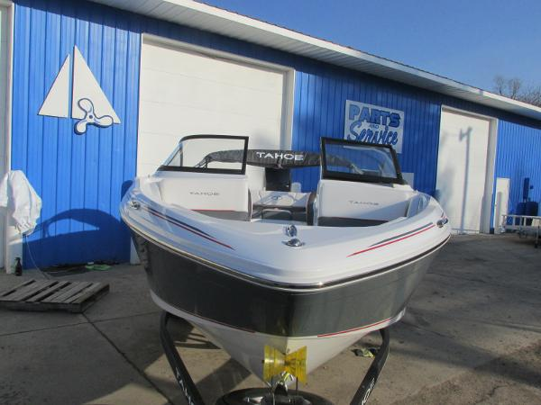 2021 Tahoe boat for sale, model of the boat is 210 S & Image # 6 of 40