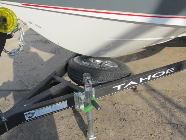 2021 Tahoe boat for sale, model of the boat is 210 S & Image # 7 of 40