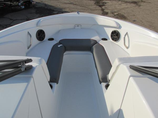 2021 Tahoe boat for sale, model of the boat is 210 S & Image # 9 of 40