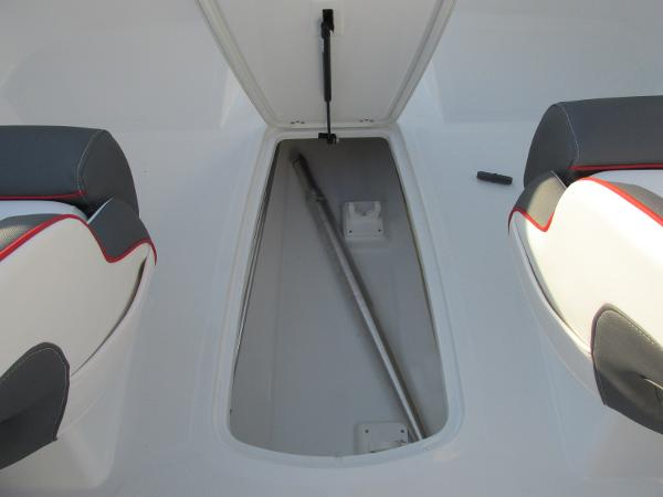 2021 Tahoe boat for sale, model of the boat is 210 S & Image # 20 of 40
