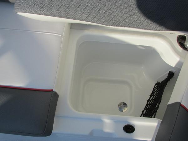 2021 Tahoe boat for sale, model of the boat is 210 S & Image # 24 of 40