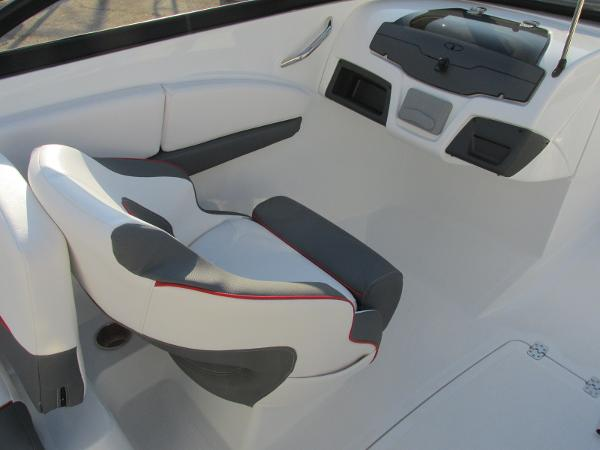 2021 Tahoe boat for sale, model of the boat is 210 S & Image # 30 of 40