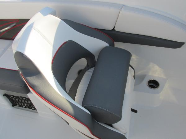 2021 Tahoe boat for sale, model of the boat is 210 S & Image # 31 of 40