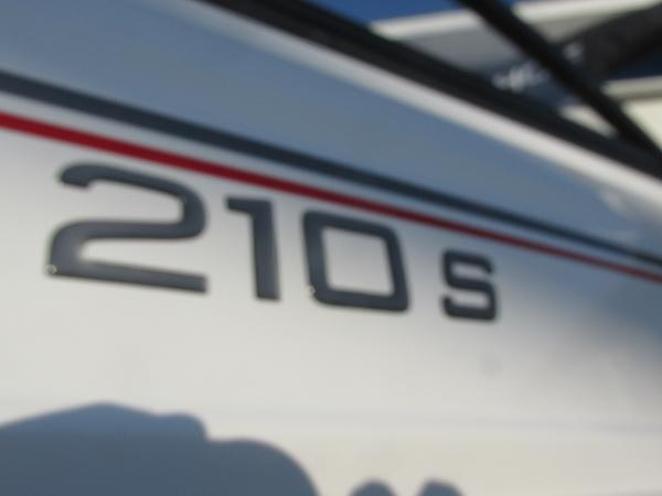 2021 Tahoe boat for sale, model of the boat is 210 S & Image # 5 of 40
