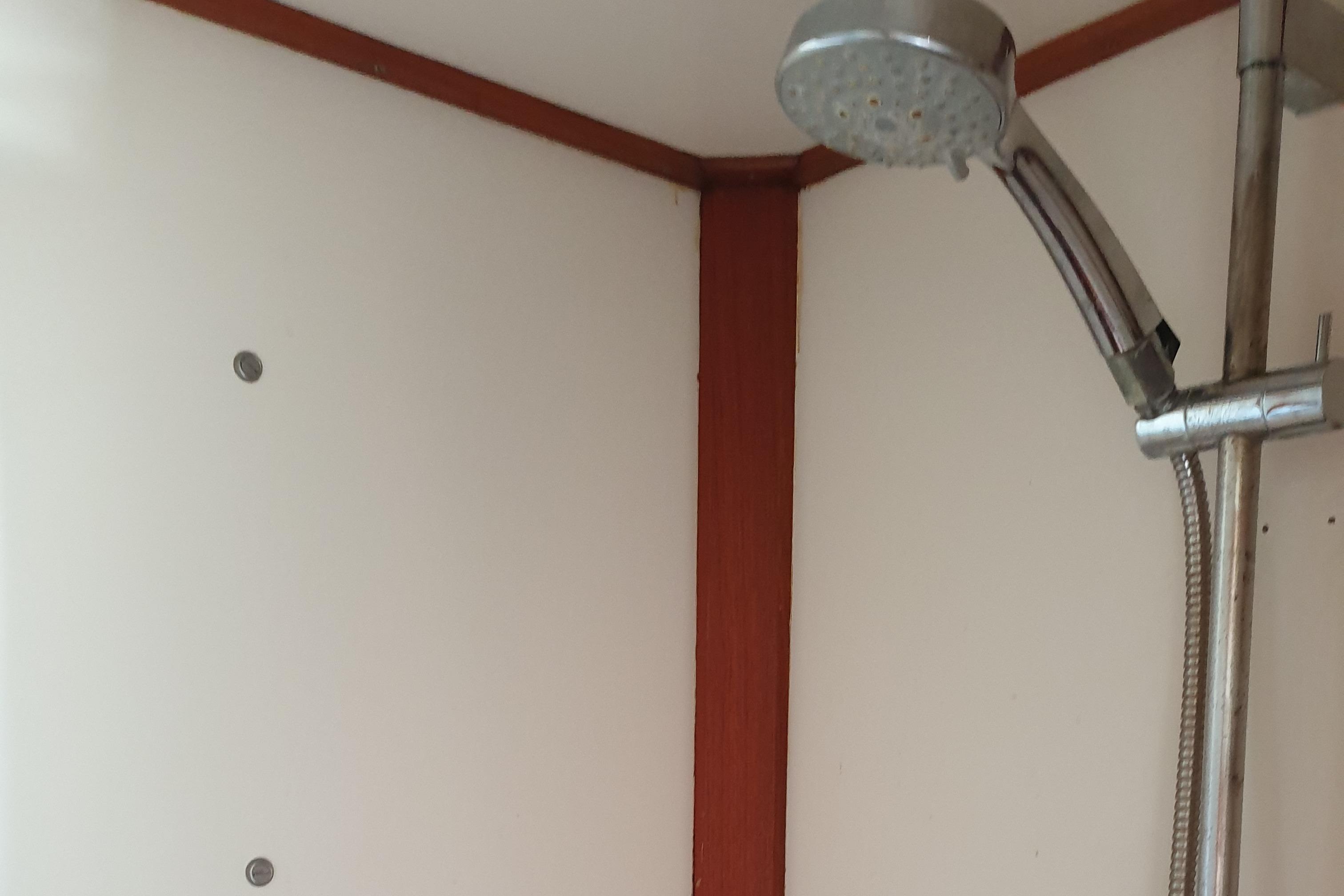 Master Cabin Shower