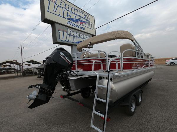 2021 Sun Tracker boat for sale, model of the boat is Fishin' Barge 20 DLX & Image # 5 of 15