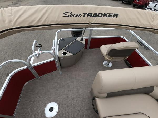 2021 Sun Tracker boat for sale, model of the boat is Fishin' Barge 20 DLX & Image # 15 of 15