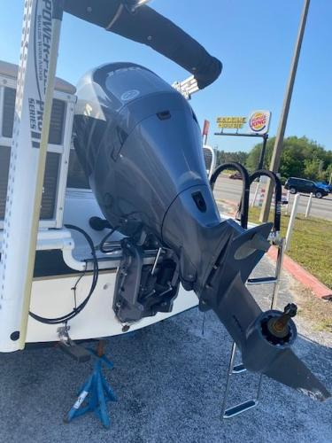 2015 Hurricane boat for sale, model of the boat is 196 FUNDECK & Image # 3 of 23
