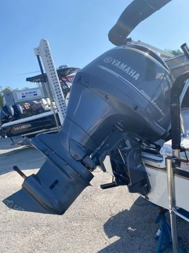 2015 Hurricane boat for sale, model of the boat is 196 FUNDECK & Image # 4 of 23