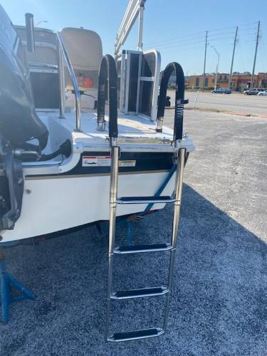 2015 Hurricane boat for sale, model of the boat is 196 FUNDECK & Image # 6 of 23