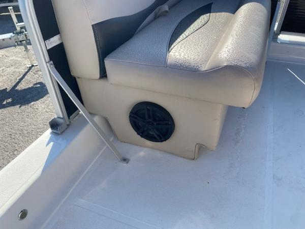 2015 Hurricane boat for sale, model of the boat is 196 FUNDECK & Image # 23 of 23