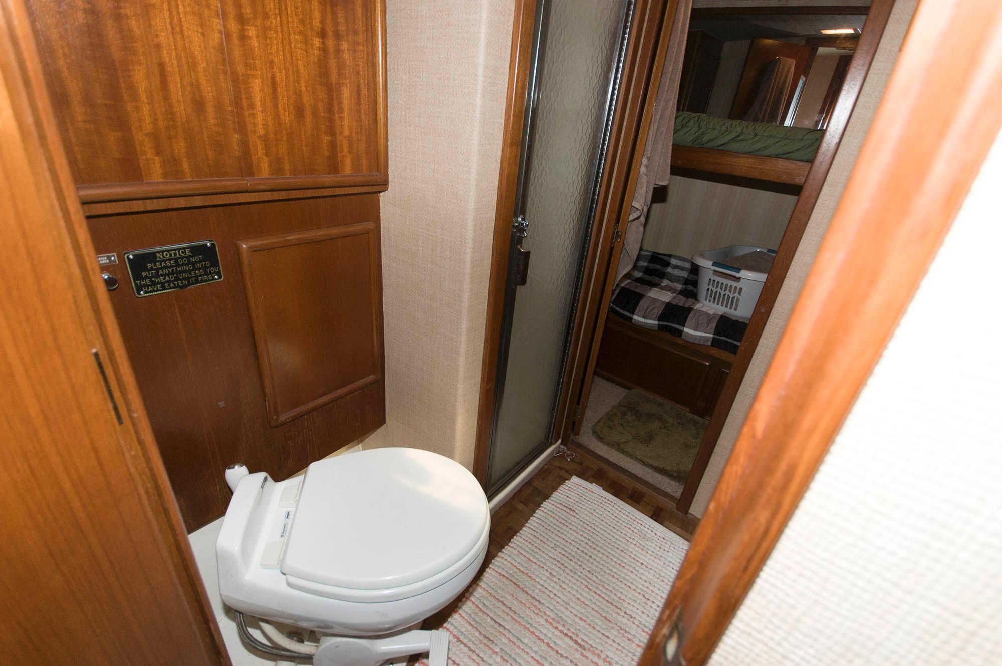 NJ 5609 SF Knot 10 Yacht Sales