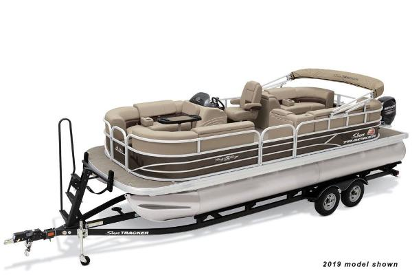 2021 Sun Tracker boat for sale, model of the boat is Party Barge 22 DLX & Image # 1 of 3
