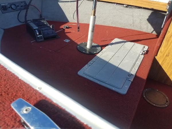 1989 Smoker Craft boat for sale, model of the boat is 17' Fazer & Image # 5 of 11