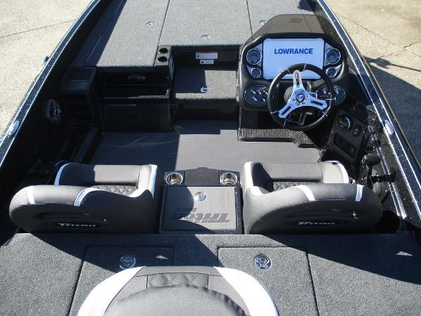 2021 Triton boat for sale, model of the boat is 20 TRX Patriot & Image # 3 of 6