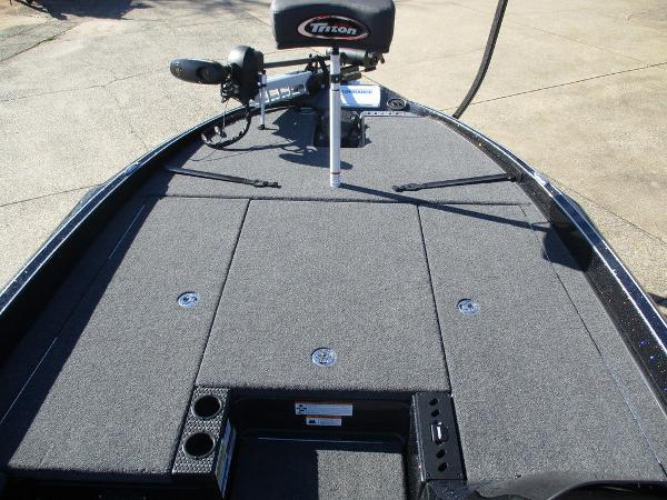 2021 Triton boat for sale, model of the boat is 20 TRX Patriot & Image # 5 of 6