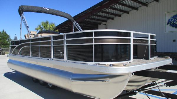 2021 Bennington boat for sale, model of the boat is 22 SF & Image # 1 of 50
